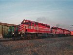 WSOR T003 roars north behind 3 SD40-2s minutes before sunset
